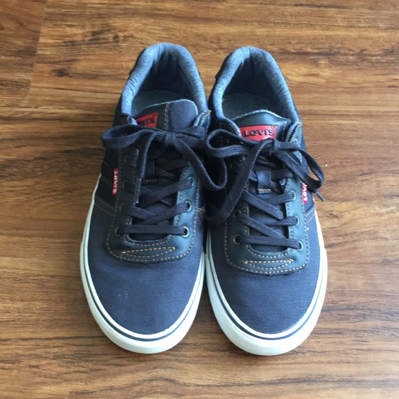Levi's Other - Levi's canvas/denim sneakers size 4Y
